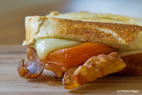Bacon, Cheddar & Grilled Tomato Panini | Panini Happy®