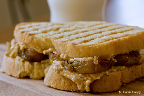 Post image for Homemade Peanut Butter & Caramelized Banana Panini