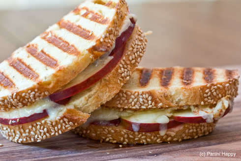Post image for Cheddar, Apples & Horseradish Mustard Panini