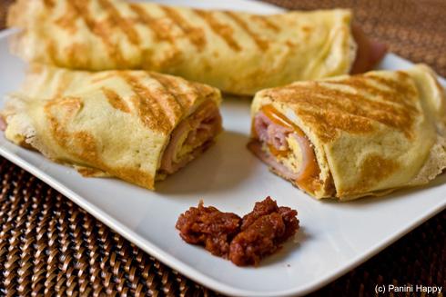 Post image for Ham, Egg & Cheddar Breakfast Crepes