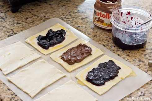 I used Nutella and homemade blueberry jam as fillings...mmmm!