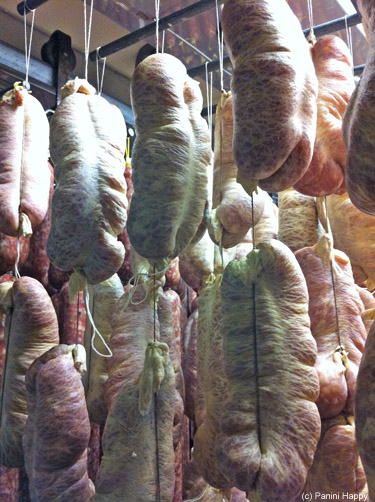 Salame in natural casings