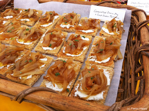 Caramelized onion, fig preserves and goat cheese tartines…